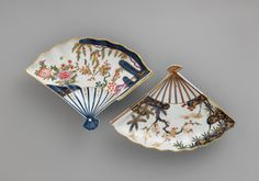 This dish and its Japanese prototype show a creative amalgamation of form and decoration from several sources. The shape is a Japanese invention, with precedents in paintings on fans and in fan-shaped paintings pasted on screens