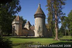 Château de La Motte-Feuilly - castle of Cesare's wife Charlotte d'Albret