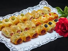 Saladitos variados Canapes, Catering, Sushi, Waffles, Buffet, Deserts, Food And Drink, Appetizers, Breakfast