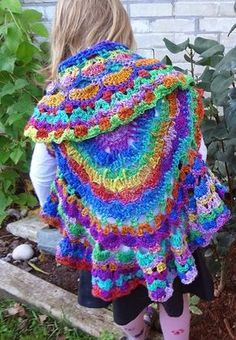 Free Crochet Pattern ~Kaleidoscope Dream Circle Vest http://www.niftynnifer.com/2014/10/free-crochet-pattern-kaleidoscope-dream.html