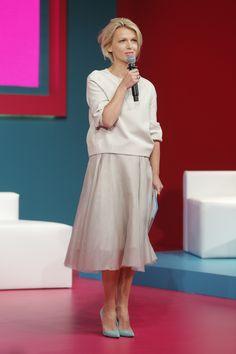 Magda Mołek Fashion Over 50, Summer Colors, Hair Inspo, My Hair, Style Me, Midi Skirt, Short Hair Styles, White Dress, Spring Summer
