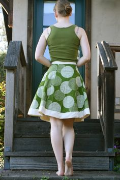 How-to: hemless a-line skirt.  I need to do this. In many colors. And maybe high-waisted?