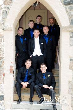 Love the contrast between the groom and groomsmen