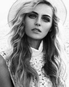 valentina zelyaeva photo shoot8 Valentina Zelyaeva Gets Beachy in Elle Russia Spread by Xavi Gordo