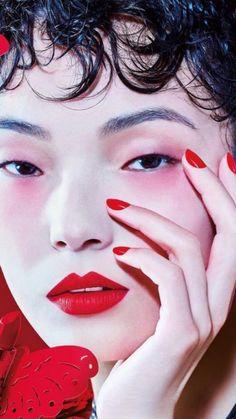 ca15e2a3af Maquiagem monocromática é a grande tendência de beleza da vez