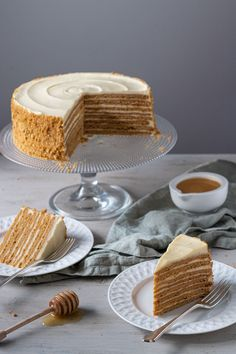 Medovik Russian honey cake — Michelle Bessudo - - Soft honey layers baked to golden perfection sandwich a slightly tangy sour cream frosting. This cake is sheer heaven in every bite. Russian Honey Cake, Russian Cakes, Russian Desserts, Russian Recipes, Tea Cakes, Food Cakes, Bundt Cakes, Sweet Recipes, Cake Recipes