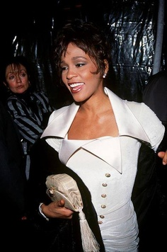 A rare photo. Beverly Hills, Whitney Houston, Celebrity Photos, Celebrity Style, Norma Jeane, Bobby Brown, Mariah Carey, American Singers, Black Girl Magic