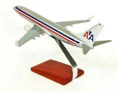 Desktop Boeing 737-800 American 1/100 Scale Model