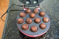 brownie bites using a cake pop maker dipped in melted chocolate! Brownie Cake Pops, Chocolate Cake Pops, Brownie Bites, Chocolate Covered, Melted Chocolate, Chocolate Chocolate, Babycakes Recipes, Babycakes Cake Pop Maker, Cake Ball Recipes