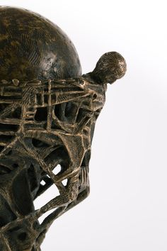 Filippo Vieri   GRAAL bronzo - 2003 - H. 25 cm. Photo: stefanocasati.com