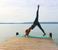 Mit besonderem Fokus auf Prana, den Atem des Lebens, wenden Sie sich an den Yoga-Retreats mit Astrid Diane Jordan im Posthotel Achenkirch Körper, Geist und Seele zu.  Prana ist der Atem des Lebens, es ist die Energie, die in einer unvorstellbaren Zahl feinster Kanäle (Nadis) durch unseren Körper fließt. Bewusste und tiefe Atmung dehnt die tiefliegende Muskulatur und das Fasziengeflecht. Post Hotel, Yoga Retreat, Poster, Deck, Front Porches, Decks, Billboard, Decoration