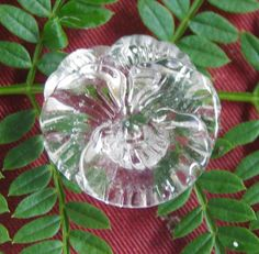 Vintage Button. Clear glass Realistic Pansy by ButtonBroker
