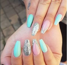 34 Stunning Silver Nail Art Designs (17)
