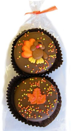 Thanksgiving Day Chocolate Covered Oreo® Cookie Gift Bag 2 pieces Chocolate Dipped Oreos® decorated for Thanksgiving (2 Oreos per Pack) Great gift for your teacher, friend co-worker, or family. Great
