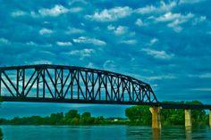 Bridge over the Missouri river connecting Iowa and Nebraska James T Kirk, Missouri River, Great Plains, North Dakota, Sydney Harbour Bridge, Nebraska, Iowa, Kansas, Future