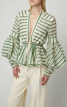 Shop Striped Wool and Silk-Blend Top. Rosie Assoulin's top is made from striped wool that's blended with a touch of silk for added luster. Fashion 2020, Fashion Tips, Fashion Design, Fashion Trends, Mode Abaya, Stripes Fashion, Types Of Sleeves, Ideias Fashion, Fashion Dresses