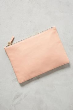 8ee6892b4b01 10 Cute Little Clutches To Bring On Your Honeymoon