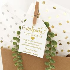 Gold and kraft with a touch of greenery - the perfect way to welcome out of town guests!