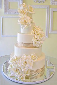 These drop-dead gorgeous wedding cakes from Lindsey Sinatra of A Wish And A Whisk Cakes are sure to wow your wedding guests at the reception. I& in love with the exquisite sugar flower and ruffle details of these cakes. Elegant Wedding Cakes, Elegant Cakes, Beautiful Wedding Cakes, Gorgeous Cakes, Wedding Cake Designs, Pretty Cakes, Amazing Cakes, Cake Original, Foto Pastel