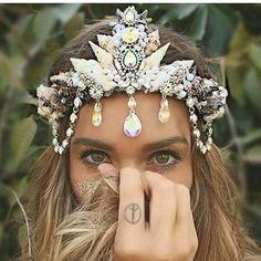 ✦✧ Pinterest: dopethemesz ; iridescent dreams ; head piece ✧✦
