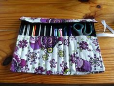 Cute crochet hook case. Maybe one day I'll be good enough at sewing to make one for mom!
