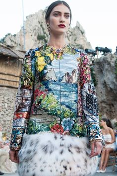 Haute Couture| Dolce and Gabbana Fall/Winter 2014/15 | http://www.theglampepper.com/2014/07/12/haute-couture-dolce-gabbana-fallwinter-201415/