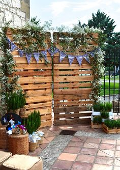 rustic country wood wedding backdrop and photobooth, Decoration
