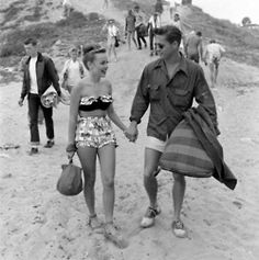 Bathing Suit! Romance! Boy and Girl! Beach! Vintage!      Beach date, 1950s    this is so unbelievably perfect. New favorite picture ever.    This picture is so wonderful aw    WHY CAN'T GUYS DRESS LIKE THIS NOW STUPID BAGGY SHORTS, STUPID TACKY HOODIES, STUPID SNAPBACKS