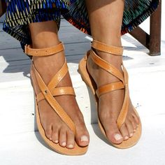 bfb013831663  EnvyWe  BerryLook -  berrylook Plain Flat Peep Toe Casual Date Flat Sandals  -