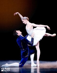 Carla Körbes and Seth Orza – © Angela Sterling Pacific Northwest Ballet