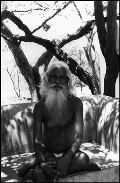 Henri Cartier-Bresson. INDIA. Tamil Nadu. Tiruvannamalai. 1950. An old man endowed with special powers enables sterile women to bear children. He lives in the bush near the sacred mountain Arunchala, where many hermits retire.