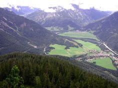 Stanzach Pleispitze zicht op Stanzach & Vorderhornbach