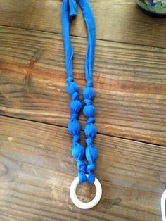 Diy (no sew!!) nursing/teething  necklace for babies and mommas.