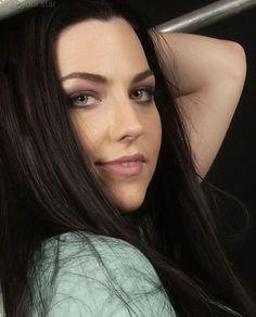 Metal Meme, Heavy Metal Girl, Amy Lee Evanescence, Women Of Rock, Dark Beauty, Celebs, Celebrities, Portraits, Pretty People