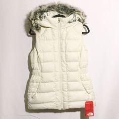 THE NORTH FACE white puffy vest fur hood GOTHAM Brand new with tag!!!!! Super cozy and warm! North Face Jackets & Coats Vests