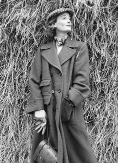 Wenda Parkinson in Scottish tweed coat by Aquascutum, Vogue 1951