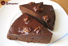 Brownies de chocolate con naranja y nueces.