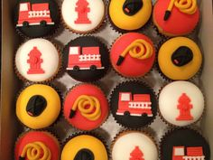 Firemen! Cupcakes Firefighter Cupcakes, Fireman Cupcakes, Fire Truck Cupcakes, Fire Cake, Cupcakes For Men, Themed Cupcakes, Fireman Party, Firefighter Birthday, Truck Birthday Cakes