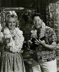 BETTY GRABLE: Song of the Islands (1942), vintage Hawaiian clothing