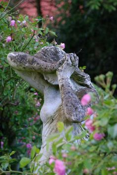 love beautiful statues in my garden. Pink Garden, Dream Garden, Garden Art, Summer Garden, Life Is Beautiful, Beautiful Gardens, Garden Angels, My Secret Garden, Secret Gardens