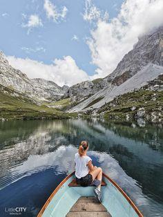 50 wunderschöne Ausflugstipps in der Schweiz Places To Travel, Places To Go, Switzerland Tour, Camping Tours, Clear Lake, Excursion, Green Landscape, Van Life, Wallis