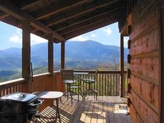 Gatlinburg, TN    ...I know this cabin! I think we stayed here spring break last year. Wow, times were different