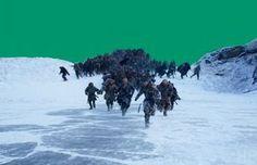 O sexto episódio da sétima temporada de Game of Thrones, chamado 'Beyond The Wall', causou o habitual frenesi de fãs nas redes sociais. Embora muitos deles tenham reclamado de algumas incoerências na história, não se pode negar que as aventuras do Esquadrão Suicida liderado por Jon Snow foram graficamente empolgantes do começo ao fim. Como já se tornou costume quando se trata de grandes cenas de batalha, a HBO publicou em seu canal no YouTube um making of dos duelos entre vivos e mortos.