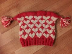 """Ninapetrinas blogg!: """"Kjærlighet På Pinne"""" Lua // """"I heart you""""-hat English is at bottom of the page. I'll leave off the side tassels and knit a regular hat using the hearts."""