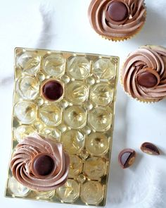 Toffifee Cupcakes mit Nutella-Buttercreme-Topping | Rezept | recipe | chocolate | frosting