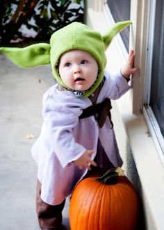 Homemade Baby Yoda Costume and Starwars family halloween! Check out my blog for tips my DIY costumes http://tinybutclassy.blogspot.com/2012/10/happy-halloween.html