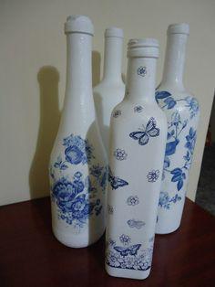 Garrafas com formatos diferentes viram objetos de decoração