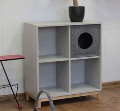 Diese Katzenhöhle aus Filz passt in Dein Ikea Eket Regal Modular Furniture, Cat Furniture, Furniture Design, Ikea Eket, Ikea Hack, Cat Hacks, Cat Friendly Home, Decoration, Kids Bedroom