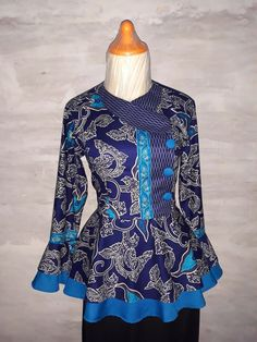 #blouse#batik#modern African Fashion Dresses, African Attire, Fashion Outfits, Kurta Designs, Blouse Designs, Blouse Batik Modern, Batik Blazer, Mode Batik, Batik Fashion