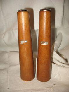 Vintage salière poivrière en bois de la boutique NorDass sur Etsy